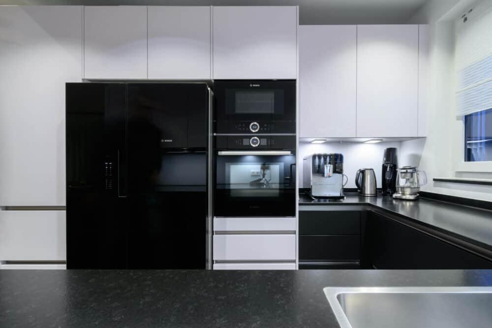 Kuechenhalle-Winnenden-hochwertige-Elektrogeraete-Einbau-Bosch