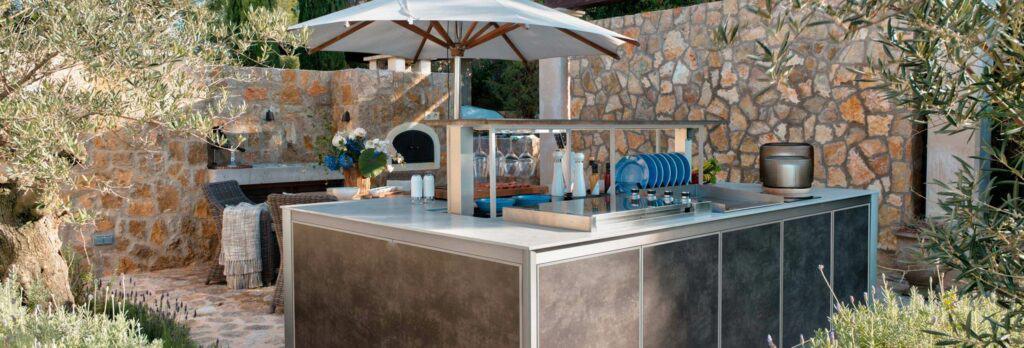 Wesco Outdoor Küche Kücheninsel mit Grill und Geschirr