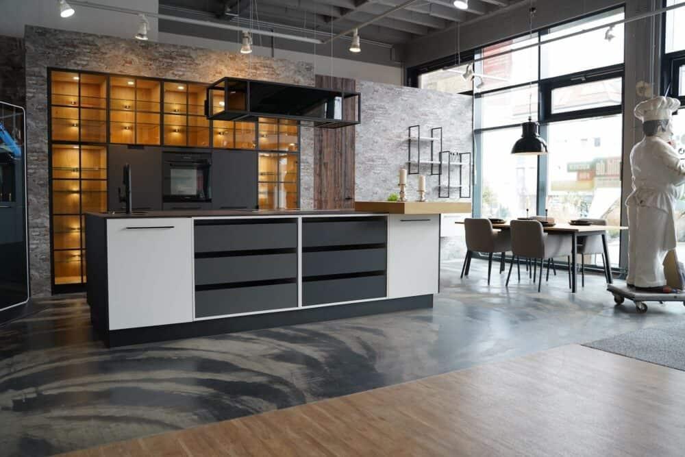 Ballerina Inselküche design weiß grau mit Essbereich