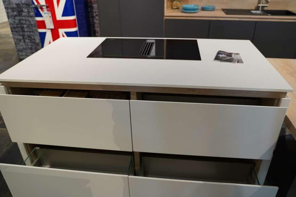 Design Insel Küche matt Lack grau grifflos