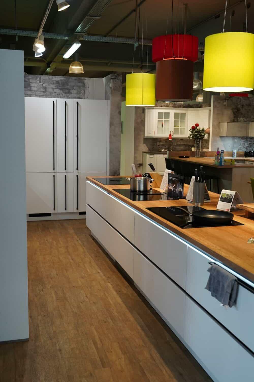 Design Insel küche hochglanz Lack Front mit Küchenzeile