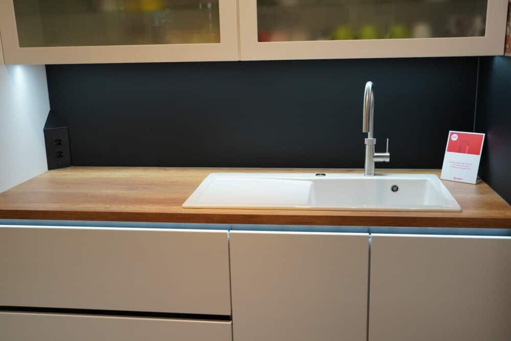 Design Inselküche hochglanz Lack Front