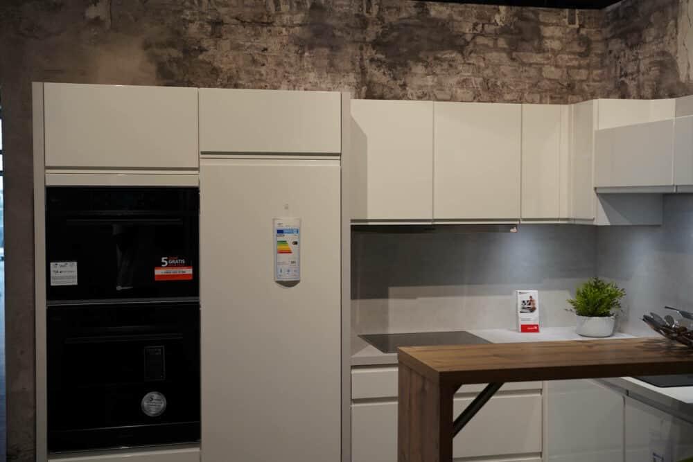 Design L form Küche mit Holz Esstheke