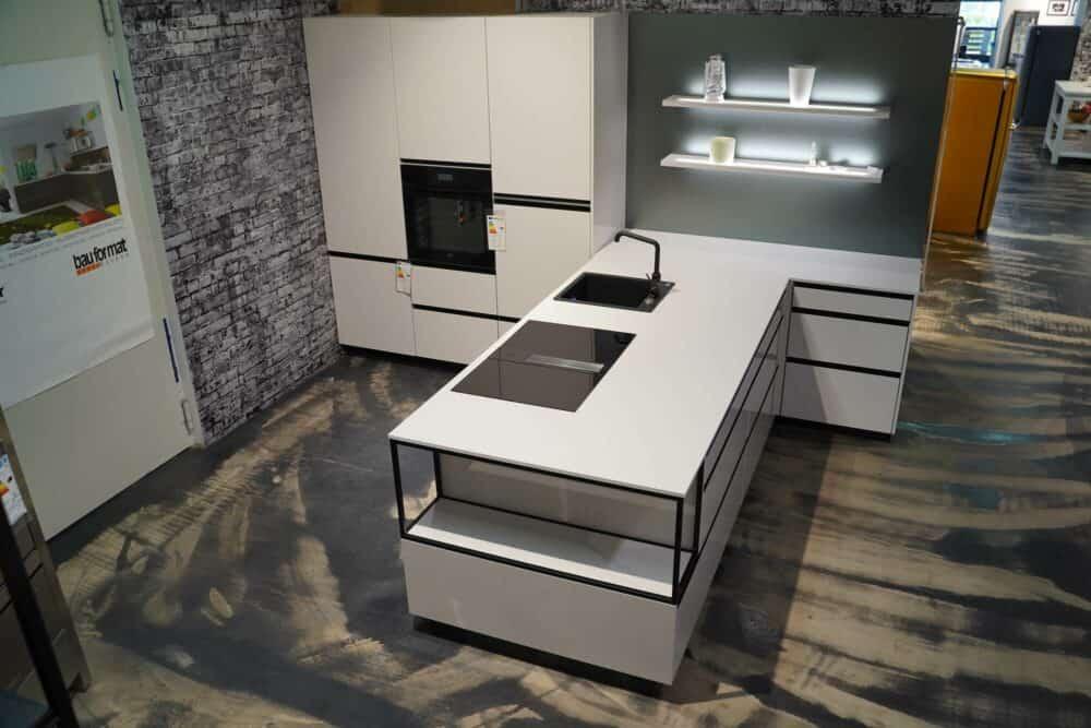 Designküche mit Halbinsel hochglanz weiß