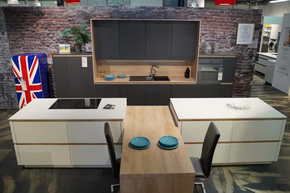 Insel Küche Design matt Lack grau grifflos
