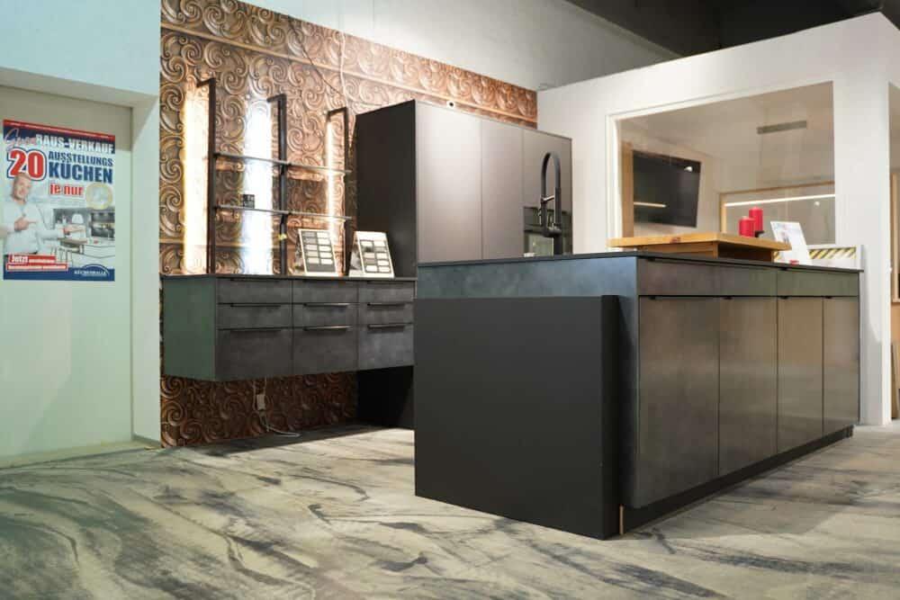 Inselküche modern schwarz matt metallic