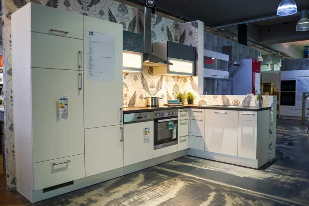 L-Küche modern matt weiß