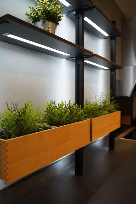 U Form Küchezeile mit wandschrank und LED Licht