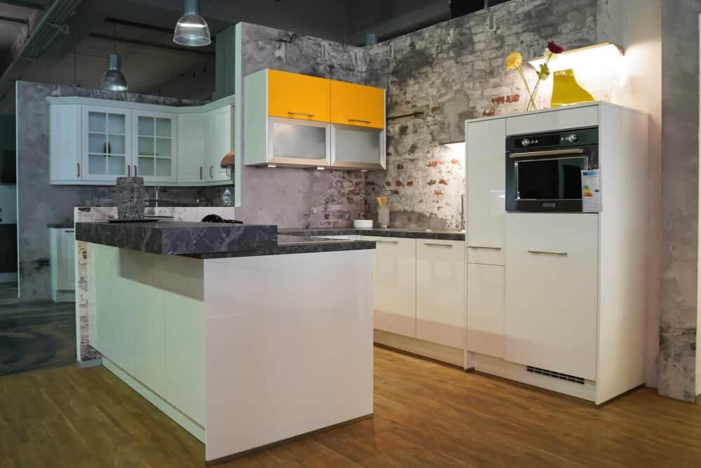 U-Küche lack hochglanz weiß