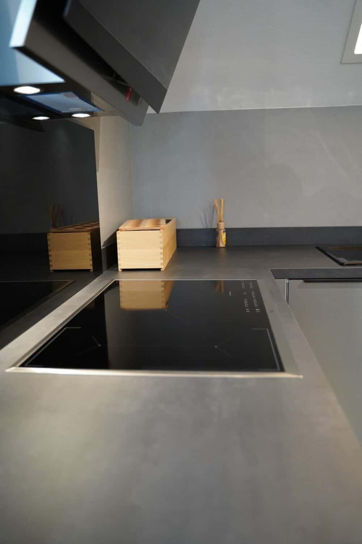 u Küchenzeile mit AEG elektrogeräte