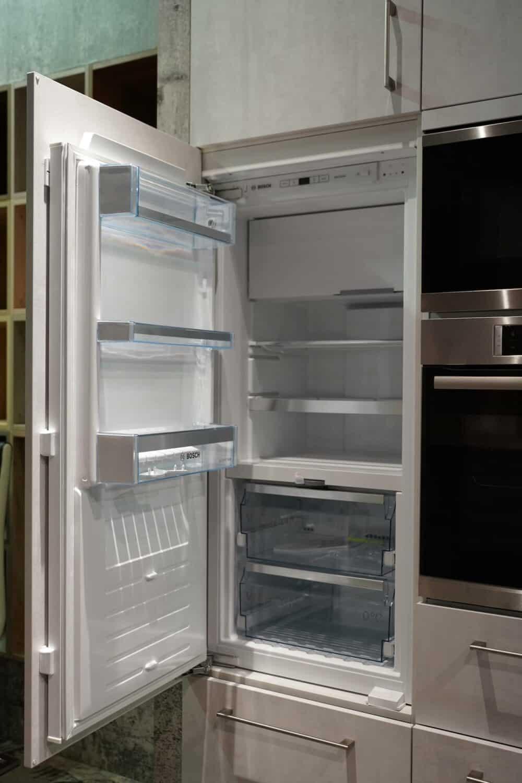 BOSCH Einbau Kühlschrank Wandschrank Beton Optik