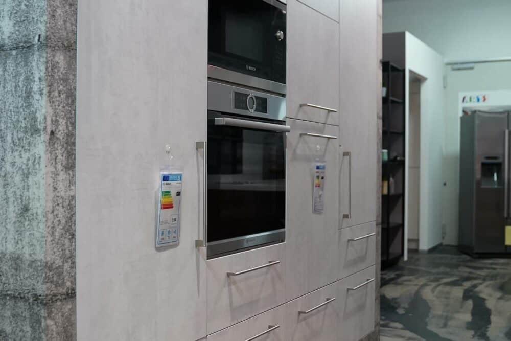 Ballerina moderne Küche mit Wandschrank Beton