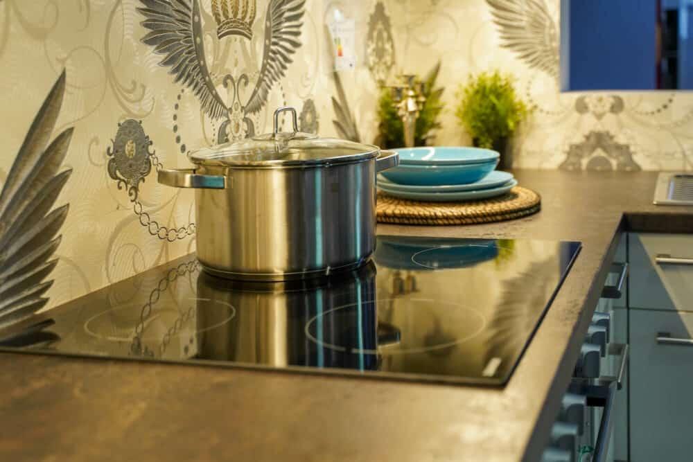 Kochfeld Zanker mit Backofen L-Küche modern matt
