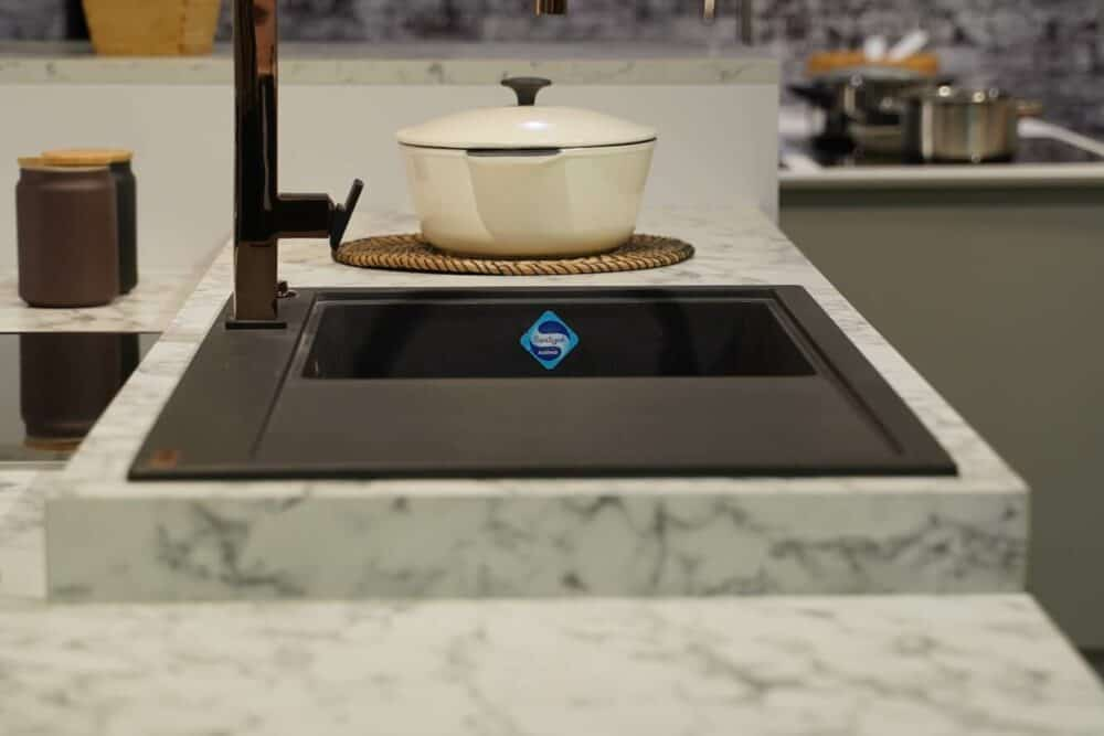 Küchenspüle Silgranit mit Kupfer Armatur