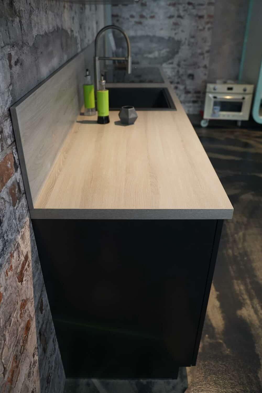 Küchenzeile mit Holz Arbeitsplatte matt lack fronten