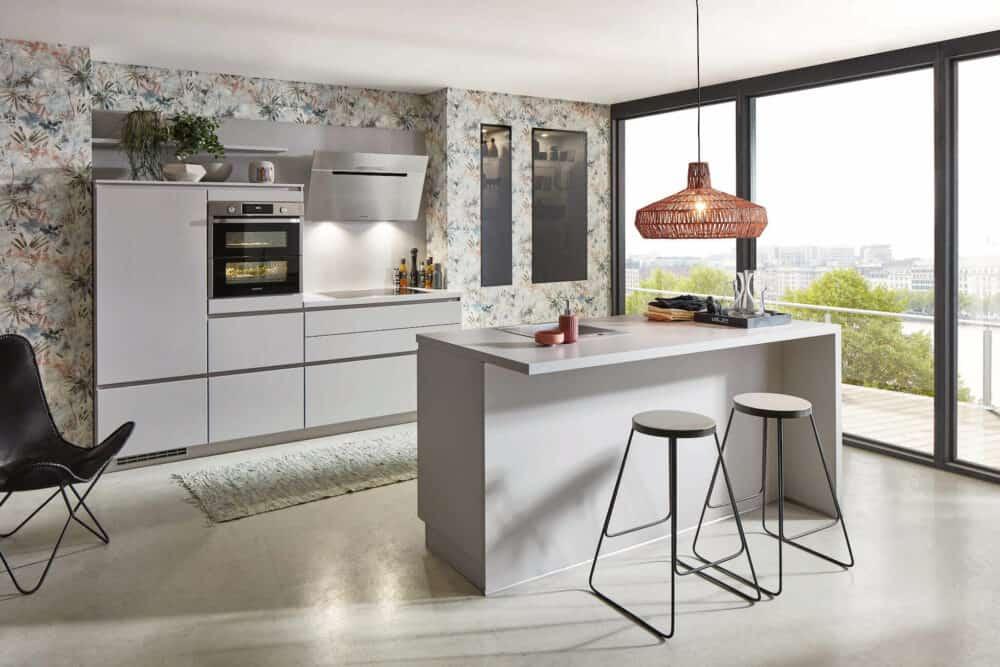 Nobilia Design Küche Lack mit Kücheninsel grifflos