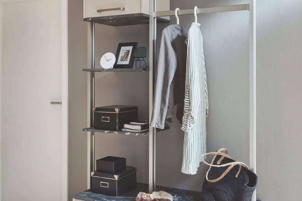 Nobilia L-Küche Design mit Garderobe