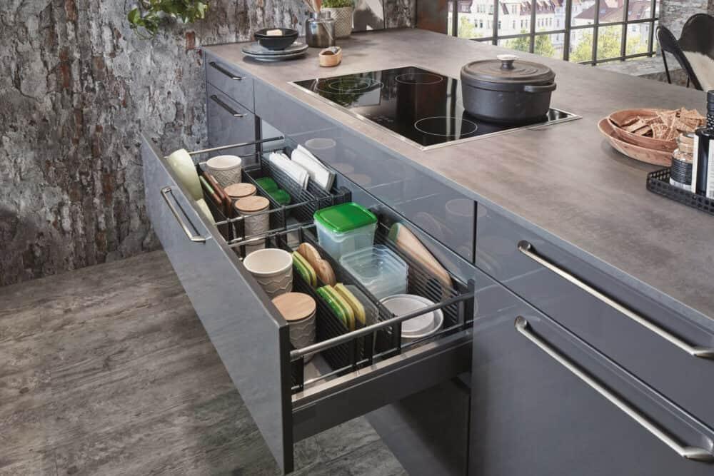 Nobilia moderne Insel Küche schiefergrau auszüge